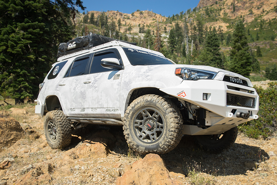 overland_toyota_offroad