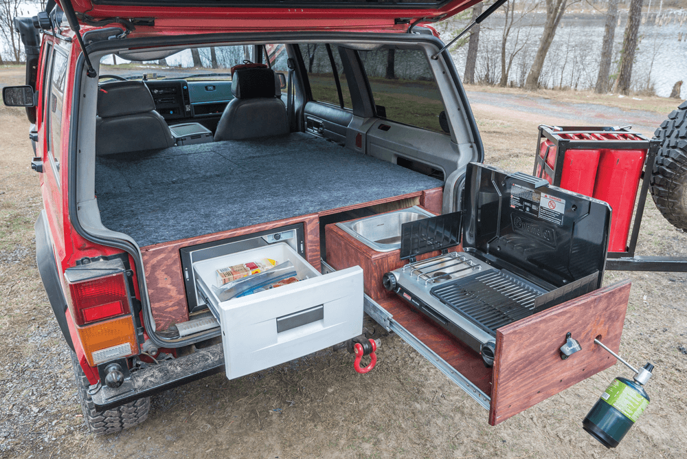 Jeep Cherokee XJ full kitchen setup