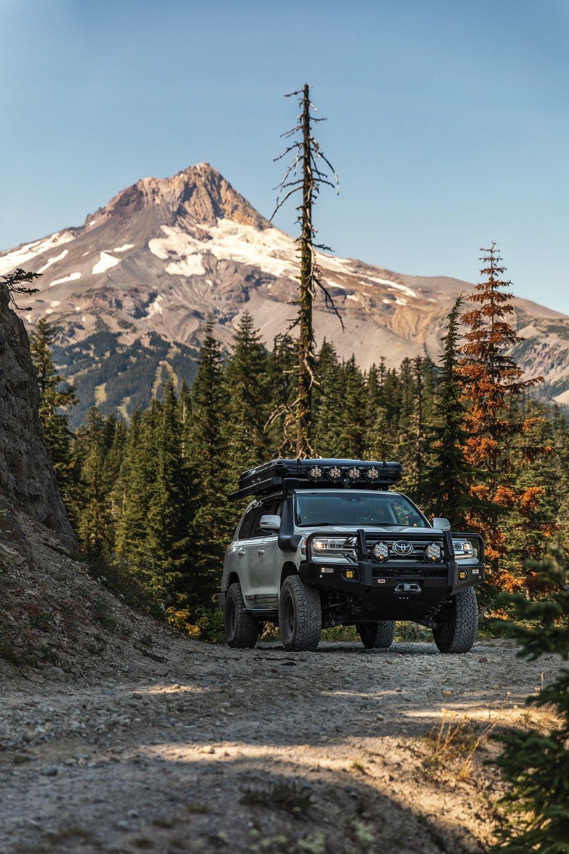 Toyota Land Cruiser 200 Series mountain road