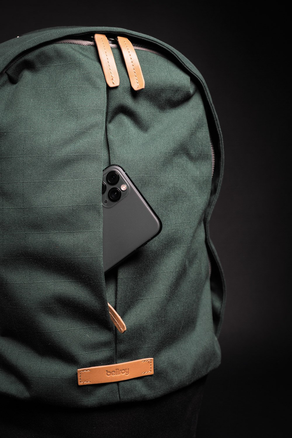Bellroy Classic Backpack cellphone pocket