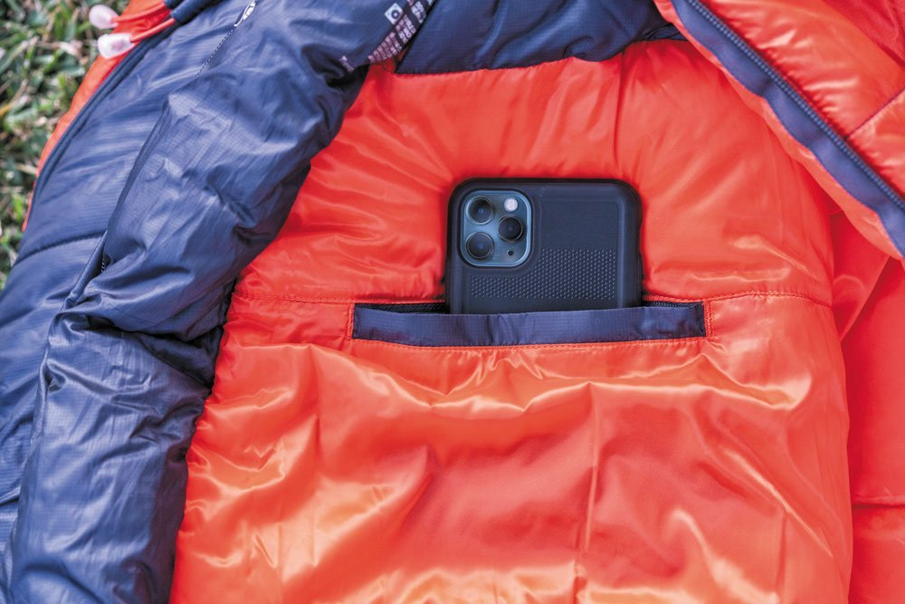 Marmot Trestles Elite cell phone pocket