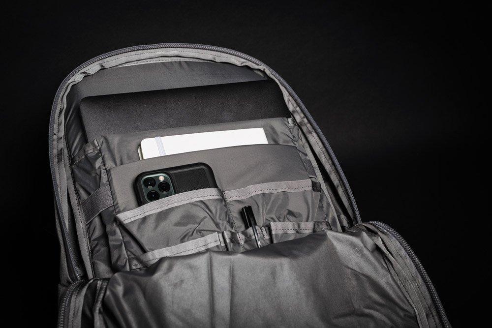 Mystery Ranch Prizefighter gray inside pockets