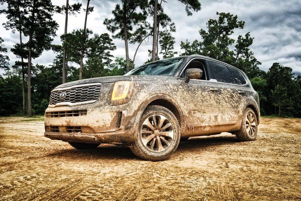 2020 KIA Telluride dirt cruising mud 18-inch wheels