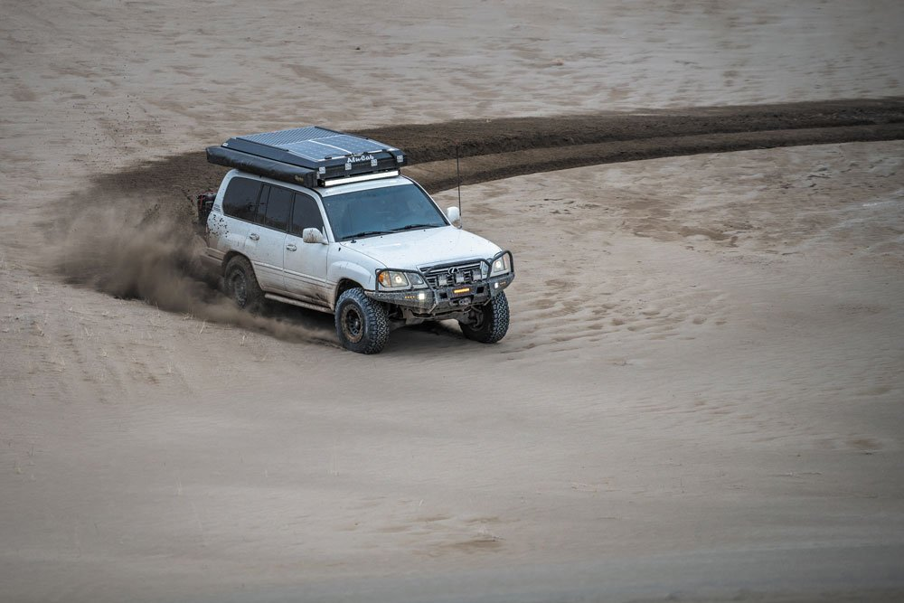 Lexus LX470 desert dirt