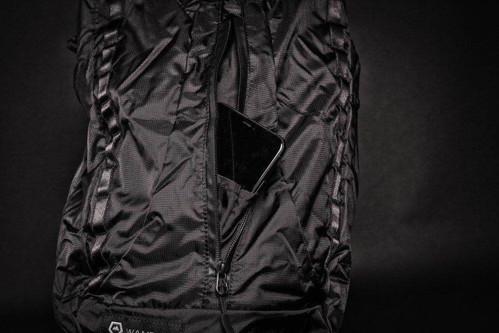 Wandrd VEER packable unzipped cellphone pocket