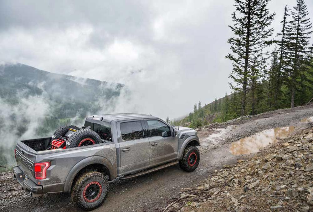 2018 Ford Raptor Supercrew dual exhausts
