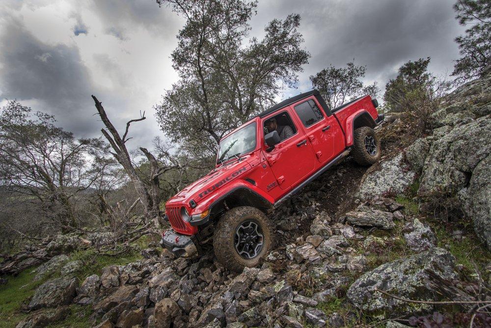 2020 Jeep Wrangler JT Gladiator rock climbing