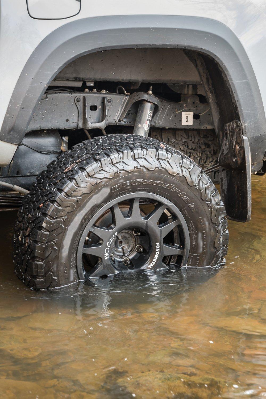 EvoCorse Dakar Zero wheels wrapped in BFG tires