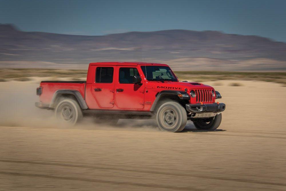 The 3.6L Pentastar produces an impressive 280 hp and 260 lb-ft of torque