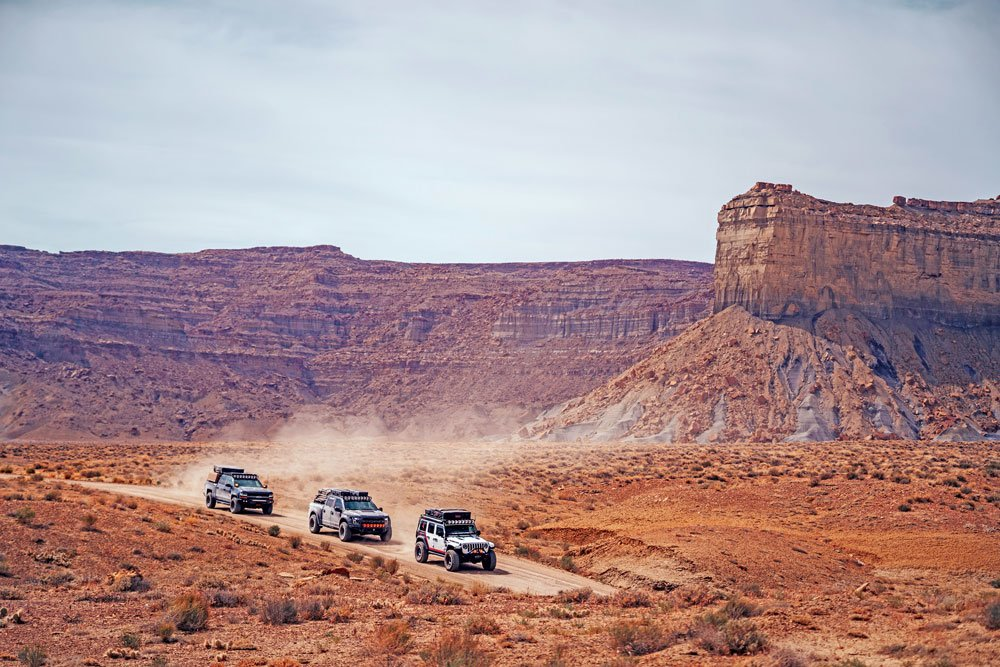 Jeep Wrangler JLU and friends explore remote spots near Lake Powell