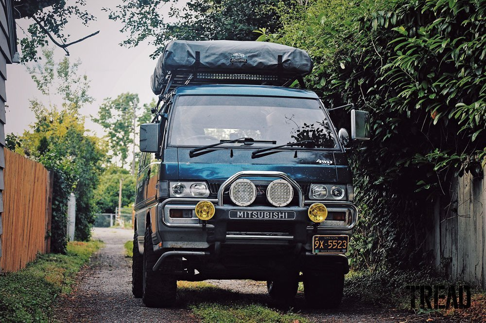 1993 Mitsubishi Delica with rooftop tent